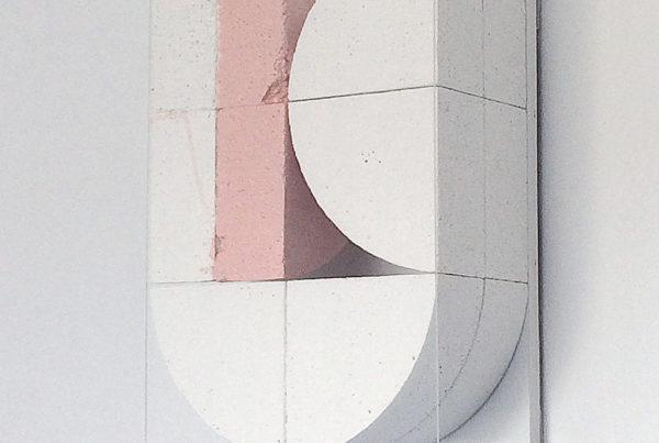 three semicircles sculpture